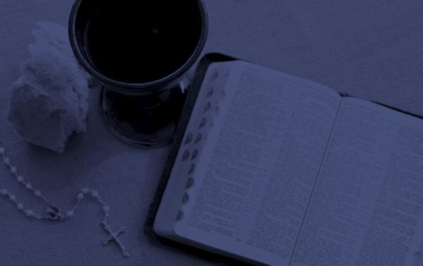 9 Best Study Bibles for Evangelical Christians